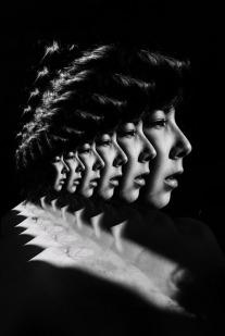 autorretratos-surrealistas-luciana-utiga-1